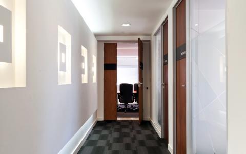 06 Meeting Suites